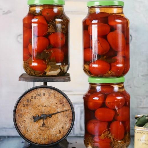 """Классический рецепт маринованных томатов из книги """" Не только джем. Вкусный Понедельник"""""""