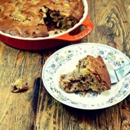 Яблочный пирог с грецкими орехами и белым шоколадом