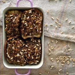 """Баклажаны с орешками пинии и бараниной из книги Йотама Оттоленги """"Иерусалим"""""""