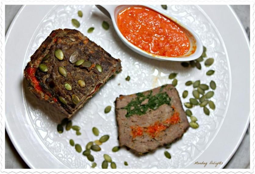 мясной хлеб с болгарскими перцами и травами