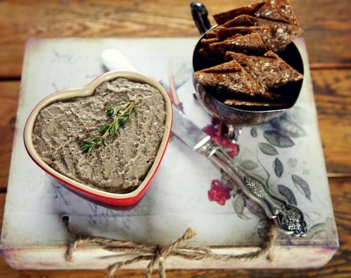 Паштет из куриной печени с портвейном и травами и Пирог с кроликом и прованскими травами