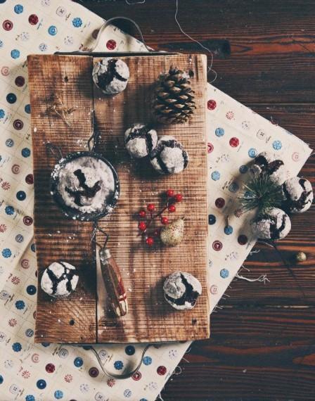 Рождественское шоколадное печенье с трещинками по рецепту Ирины Чадеевой