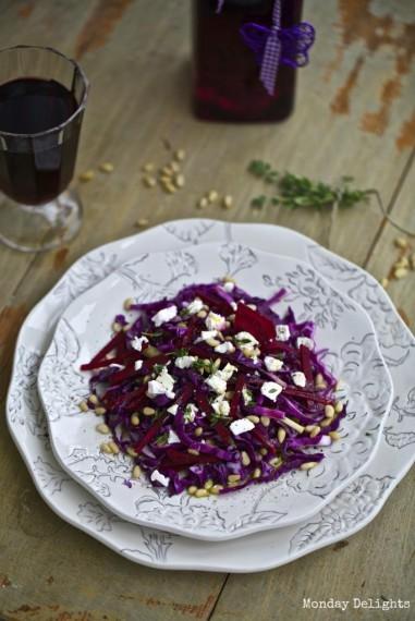 """Салат из красной капусты с кедровыми орешками из книги """"Вегетарианство"""" с моими фотографиями"""