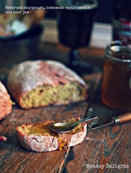 Свекольный хлеб на яблочной закваске, домашний яблочный пектин и джем из английского пива
