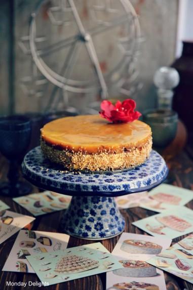 Торт с муссом из манго, муссом из горького шоколада и муссом из шампанского и белого шоколада